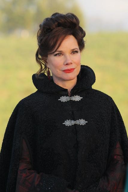 Episode 18 - Stable Boy - Barbara Hershey