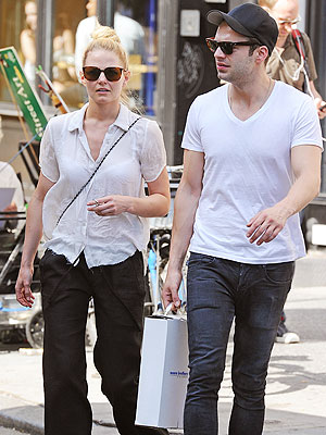 Jennifer Morrison - Sebastian Stan - Once Upon a Time