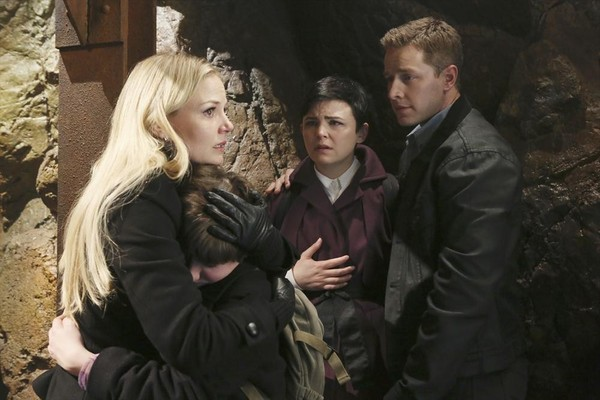 JENNIFER MORRISON, JARED GILMORE, GINNIFER GOODWIN, JOSH DALLAS