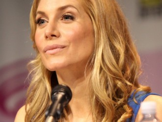 Elizabeth Mitchell Joins the OUAT Cast for Season 4